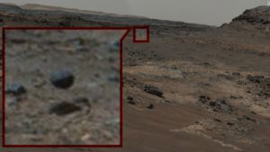 """Curiosity snaps a photo of an """"alien"""" sphere hovering on Mars..."""