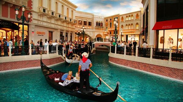 inside-las-vegas-venetian-casino