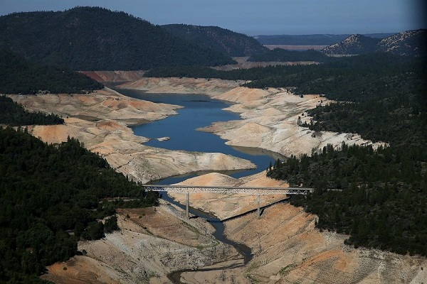 lake orovile california during 2014 drought