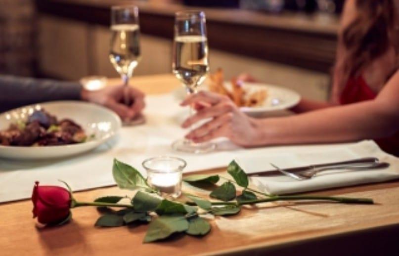 romantic dinner after flight