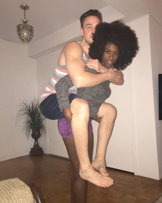 confused couple's picture goes viral