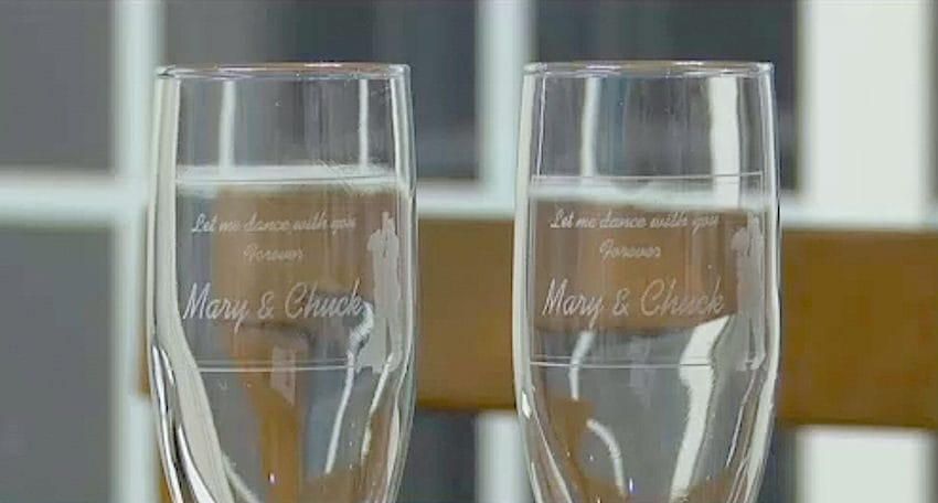 bride and groom champagne set