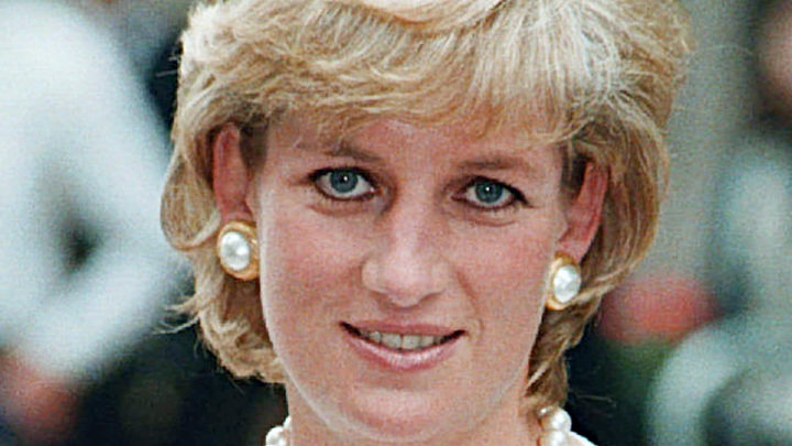 In Princess Diana's Last Seconds, A Firefighter Leaned In And Heard Her Last Words