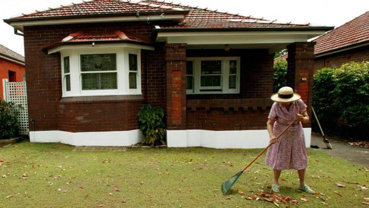 Questa signora di 96 anni sta vendendo la sua casa e quello che c'è dentro ti stupirà